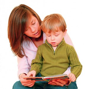 mama_with_boy_reading
